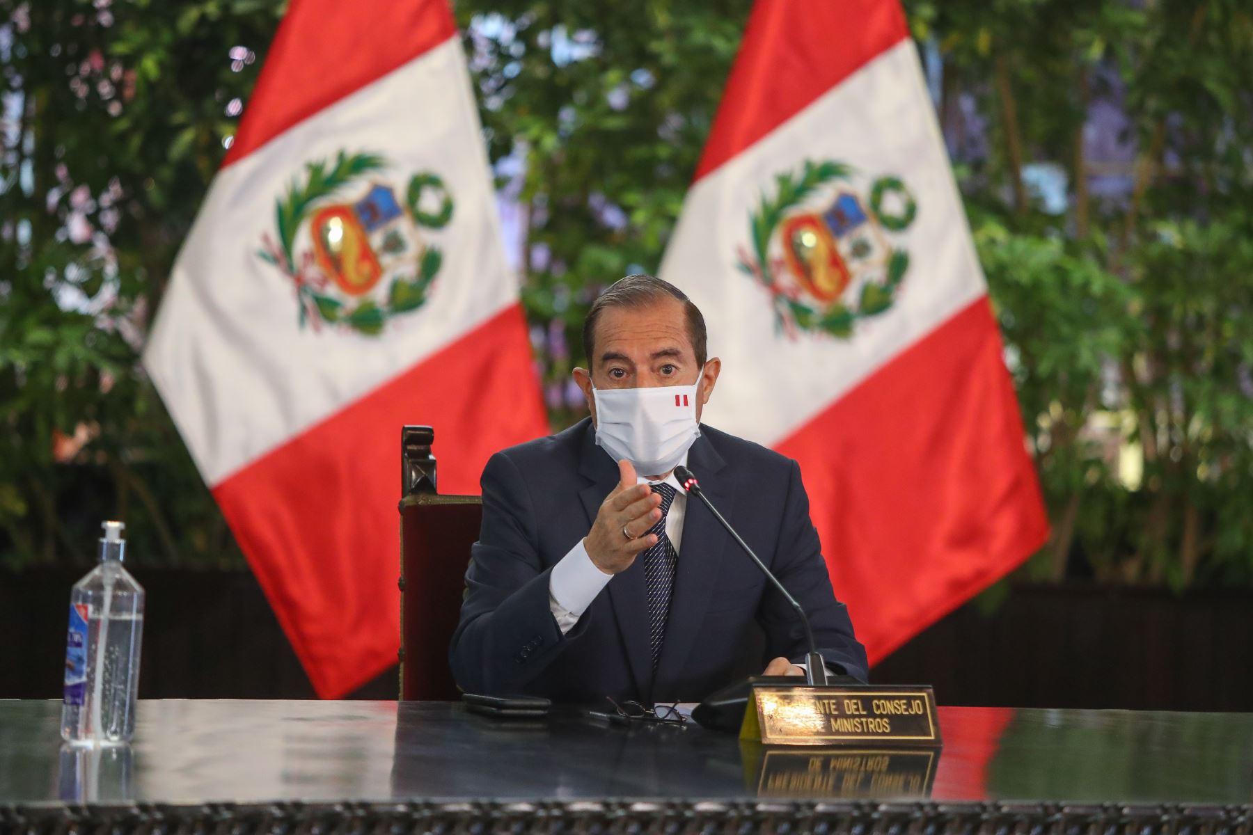 Primer ministro Walter Martos participa durante el pronunciamiento del presidente de la República,  Martin Vizcarra,  junto a al gabinete de ministros. Foto: ANDINA/ Prensa Presidencia