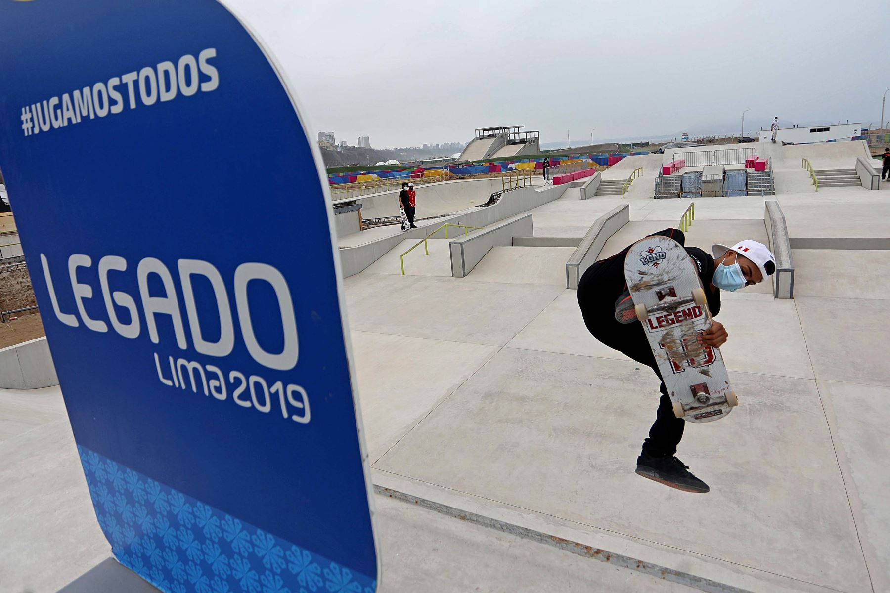 Pool Bellido, campeón panamericano de skateboarding en 2018, agradeció a nombre de los deportistas los esfuerzos por retomar los entrenamientos de  skate, porque solo estábamos haciendo ejercicios físicos en casa. Ahora contamos con todos los protocolos adecuados para entrenar. Foto:ANDINA/Legado 2019.