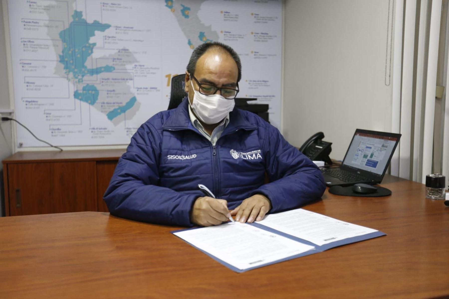 Sisol Salud, organismo público descentralizado de la Municipalidad de Lima, suscribió un convenio de cooperación interinstitucional con el Ministerio de Salud (Minsa), a fin de articular esfuerzos para la detección temprana, prevención, control y descarte del COVID-19, en el marco de la emergencia sanitaria a nivel nacional. Foto: ANDINA/MML