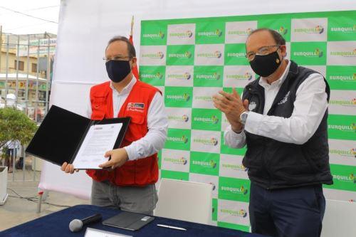 Produce y Municipalidad de Surquillo firman convenio para instalar un mercado temporal