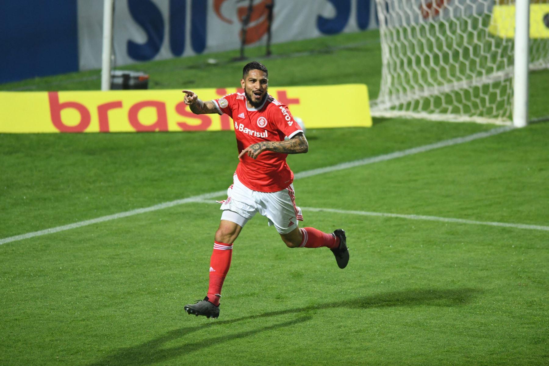 Paolo Guerrero anotó el gol del triunfo en el encuentro entre Internacional vs Coritiba por la primera fecha del Brasileirao 2020. Foto: Ricardo Duarte/FC Internacional