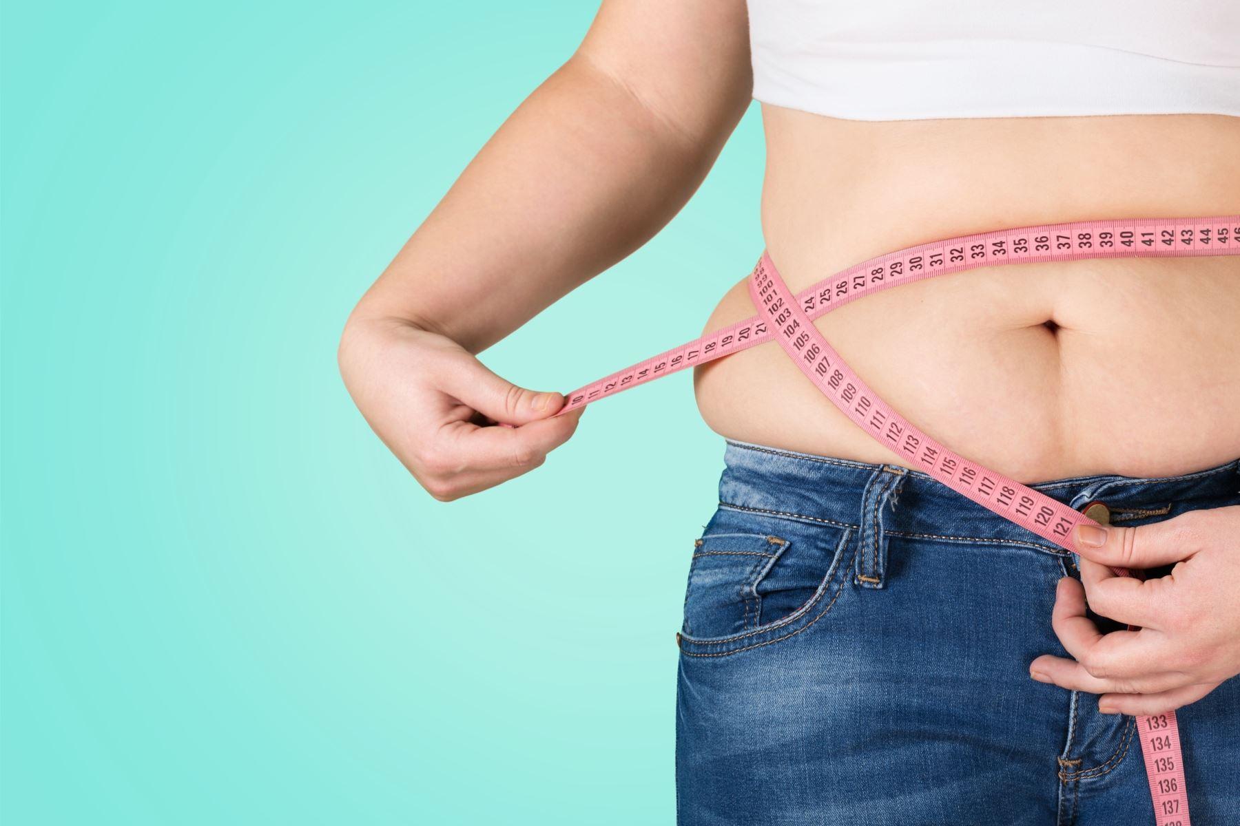 La nutricionista Saby Mauricio sostiene que uno de los errores que cometen las personas que quieren bajar de peso es quitarse la comida. Foto: ANDINA/Cortesía