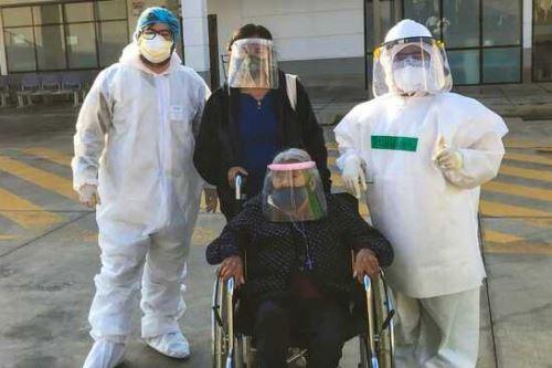 Mujer de 103 años vence al Covid-19 en Hospital de Ate Vitarte