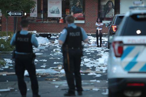 EE. UU: una noche de saqueos masivos y tiroteos en Chicago