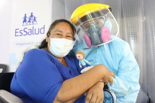 Coronavirus: Paciente que supero covid -19 es dada de alta en Villa Essalud Moquegua