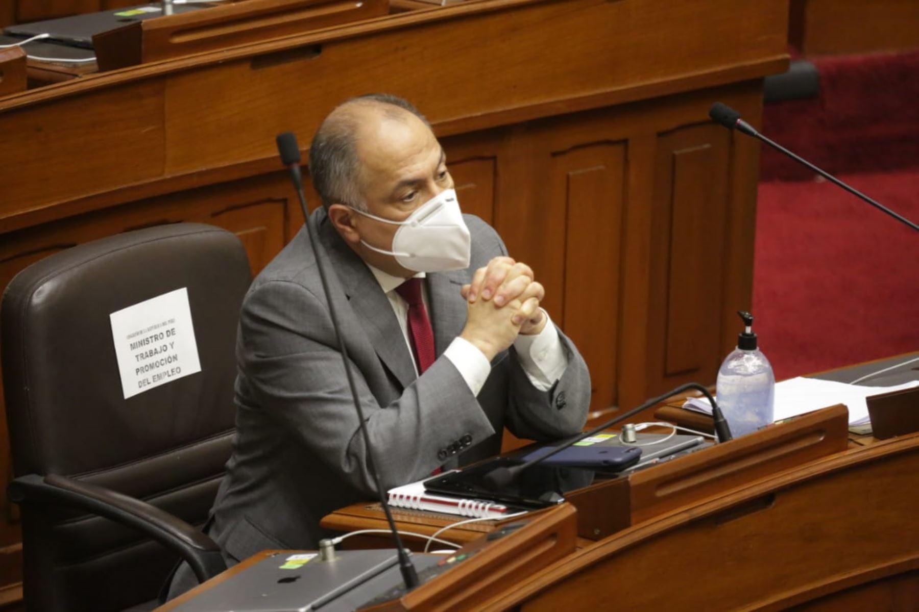 Ministro de Trabajo y Promoción de Empleo, Javier Palacios Gallegos, se presenta ante Congreso junto a gabinete ministerial para solicitar voto de confianza. Foto: ANDINA/PCM