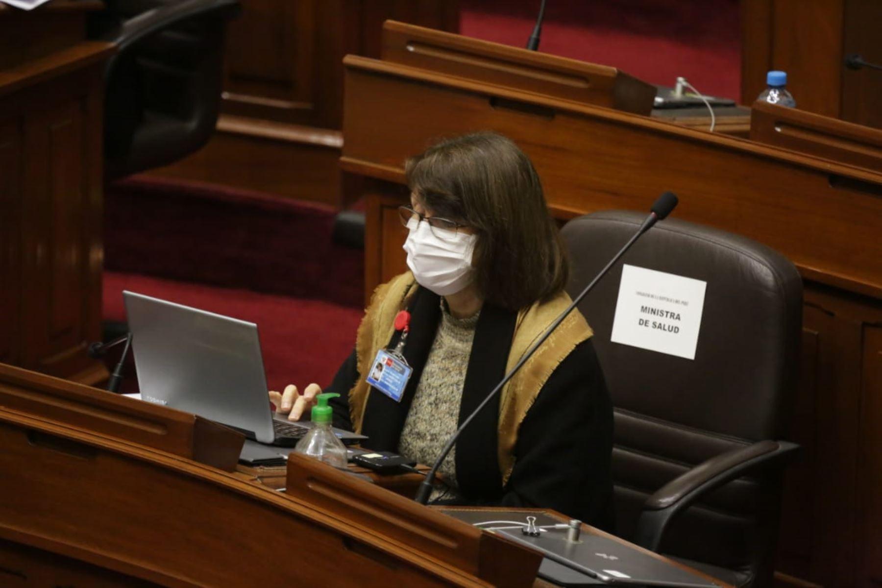 Ministra de Salud, Pilar Mazzetti, se presenta ante Congreso junto al gabinete ministerial para solicitar el voto de confianza. Foto: ANDINA/PCM