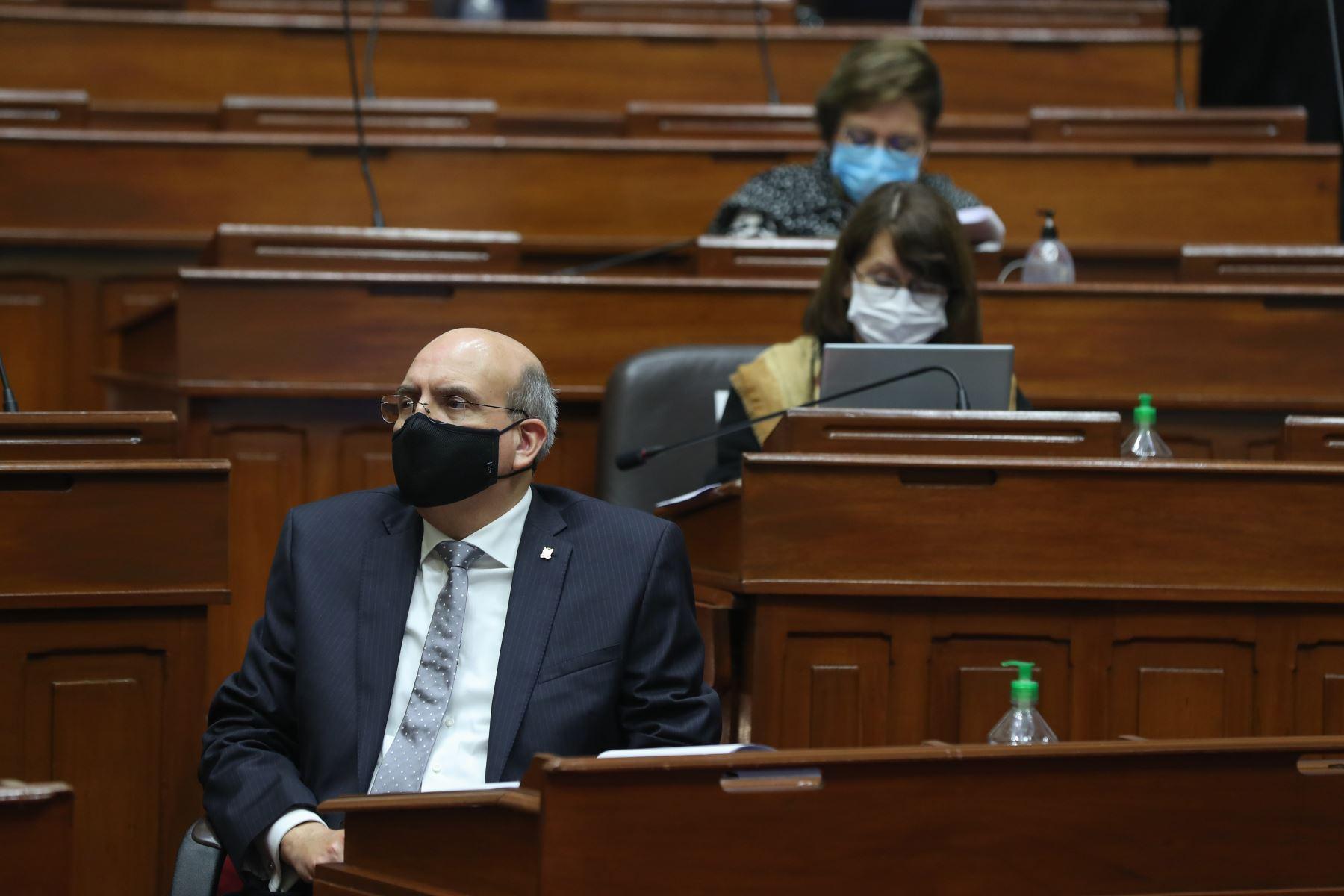 Mario Juvenal Lopez Chávarri, ministro de Relaciones Exteriores, se presenta ante Congreso junto a gabinete ministerial para solicitar voto de confianza. Foto: ANDINA/PCM