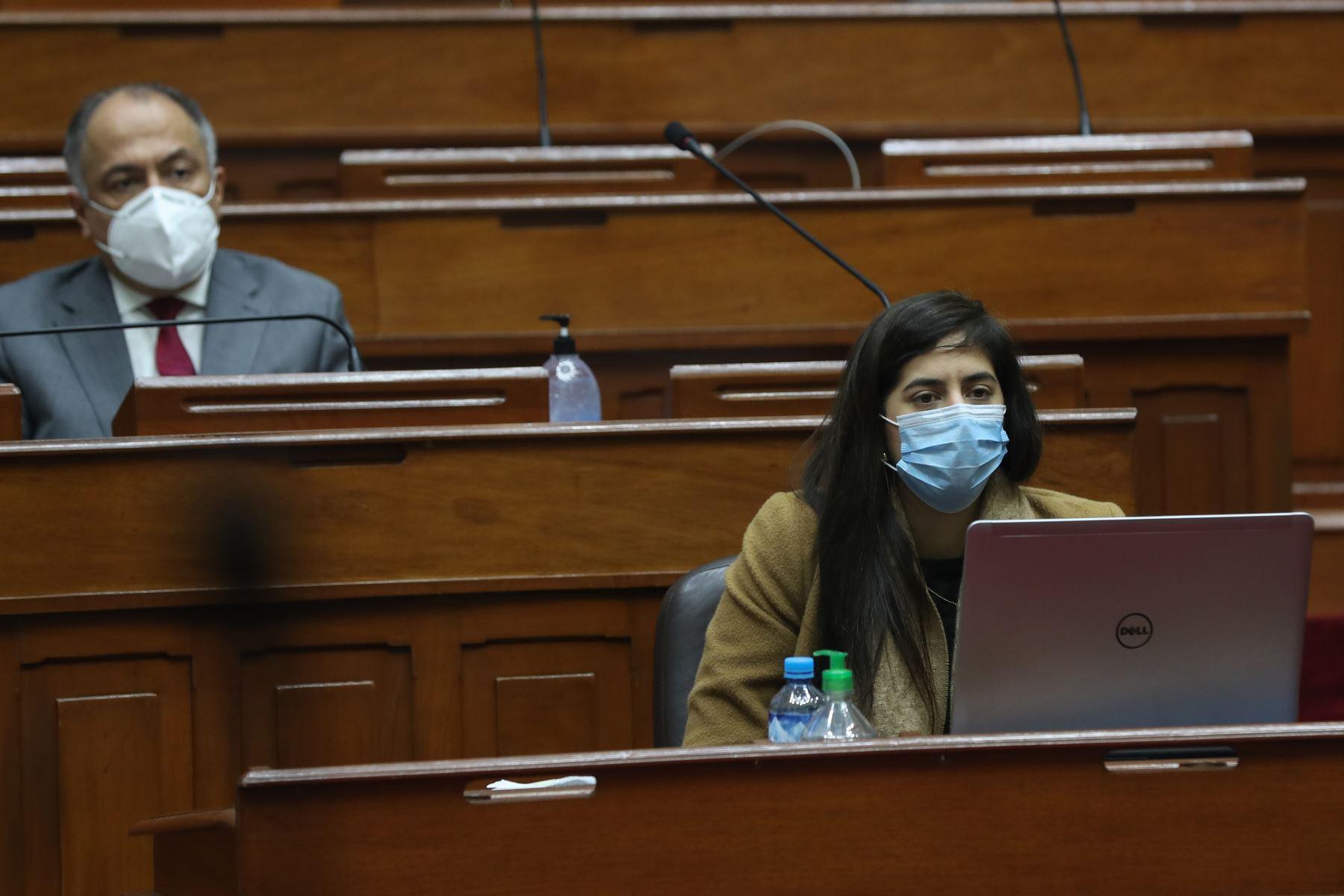 Ministra de Economía y Finanzas, Maria Antonieta Alva, se presenta en Congreso junto a gabinete ministerial para solicitar voto de confianza. Foto: ANDINA/PCM