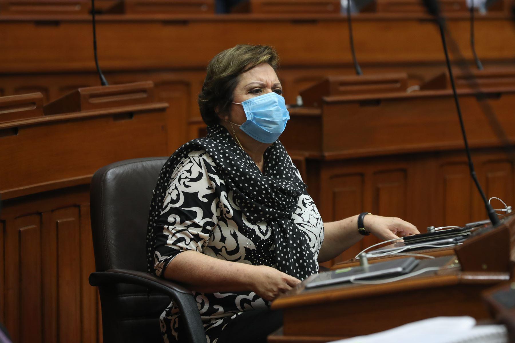 Rosario Sasieta, ministra de la Mujer y Poblaciones Vulnerables, se presenta ante Congreso junto a gabinete ministerial para solicitar voto de confianza. Foto: ANDINA/PCM