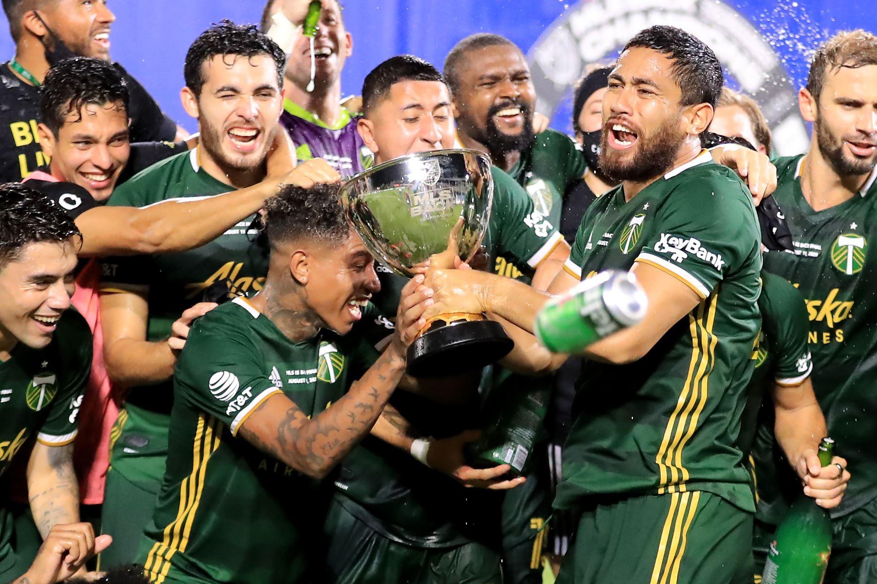 El futbolista peruano Andy Polo se corona campeón con su club Portland Timbers tras vencer 2-1 al club Orlando City por la