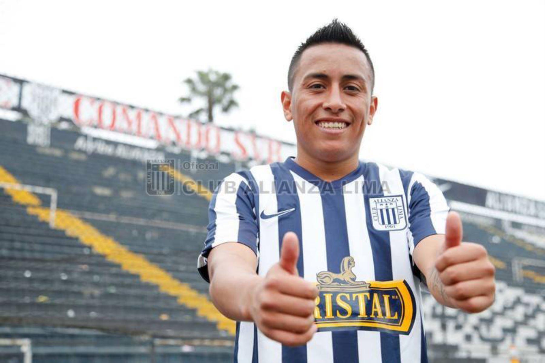 Christian Cueva debutó el 17 de septiembre del 2014 en Alianza Lima. Su primer gol lo anotó ante Intigas logrando un empate para su club. Foto: Club Alianza Lima