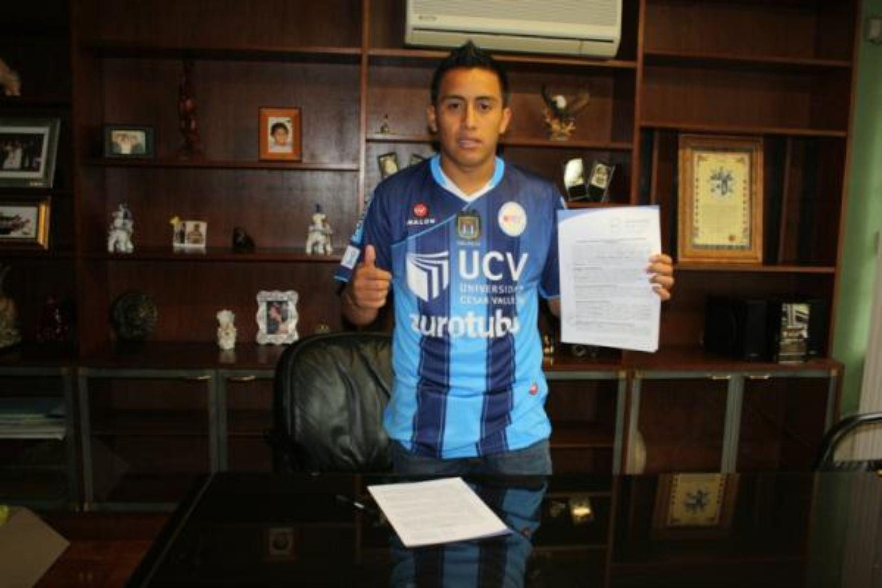 Christian Cueva formó parte del club de la Universidad Cesar Vallejo durante la temporada del 2012. Foto: Difusión