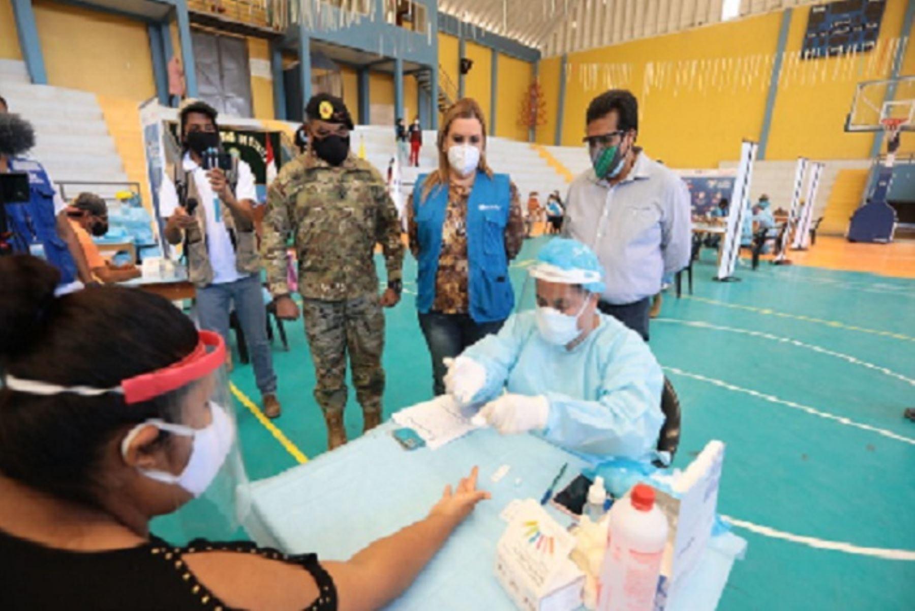 En la campaña preventiva también se entregaron kits covid-19 a las personas que dieron positivo a la enfermedad y se encuentran en la fase inicial del contagio.