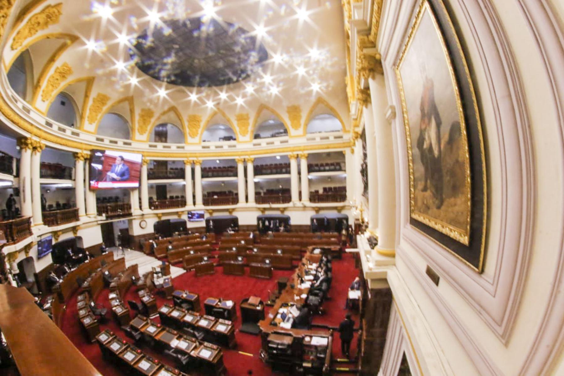 Inicia sesión de interpelación al ministro de educación, Martín Benavides, en el Congreso. Foto: Congreso de la República