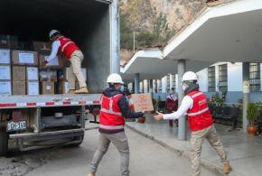 El Ejecutivo, a través de la articulación del Ministerio de la Producción (Produce), trasladó y entregó a la región Huancavelica equipos de protección personal y medicinas para reforzar las atenciones en salud frente al covid-19. La ayuda fue entregada tanto al Hospital Zacarías Correa Valdivia, como al Gobierno Regional.