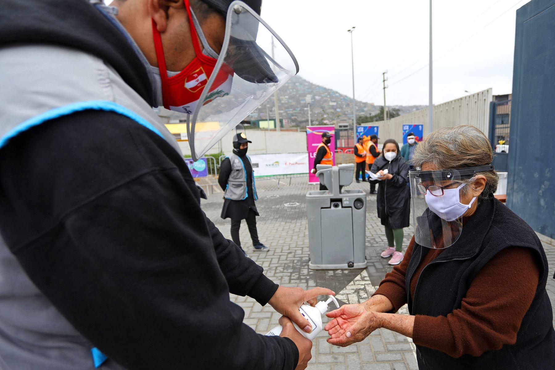 El Complejo Deportivo Villa María del Triunfo, sede de los Juegos Panamericanos y Parapanamericanos Lima 2019, reabrirá sus puertas este fin de semana para recibir a los mercados itinerantes 'De la chacra a la olla', que se desarrollará guardando todas las medidas de bioseguridad que se exige en esta emergencia sanitaria por la pandemia del covid-19.  Foto: LEGADO Lima 2019