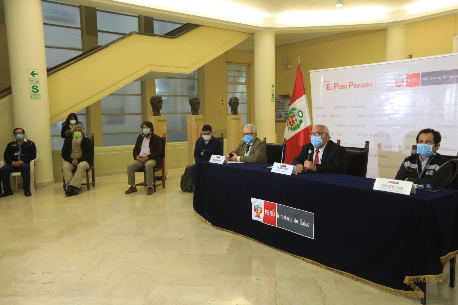 Minsa, a través del viceministro de Salud Luis Suarez en conferencia de prensa actualiza a 25,648 el número de fallecidos por covid-19. Foto: Minsa