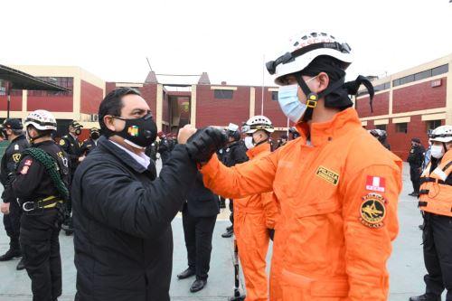 Ministro del Interior, Jorge Montoya, realiza visita a la División de Emergencia