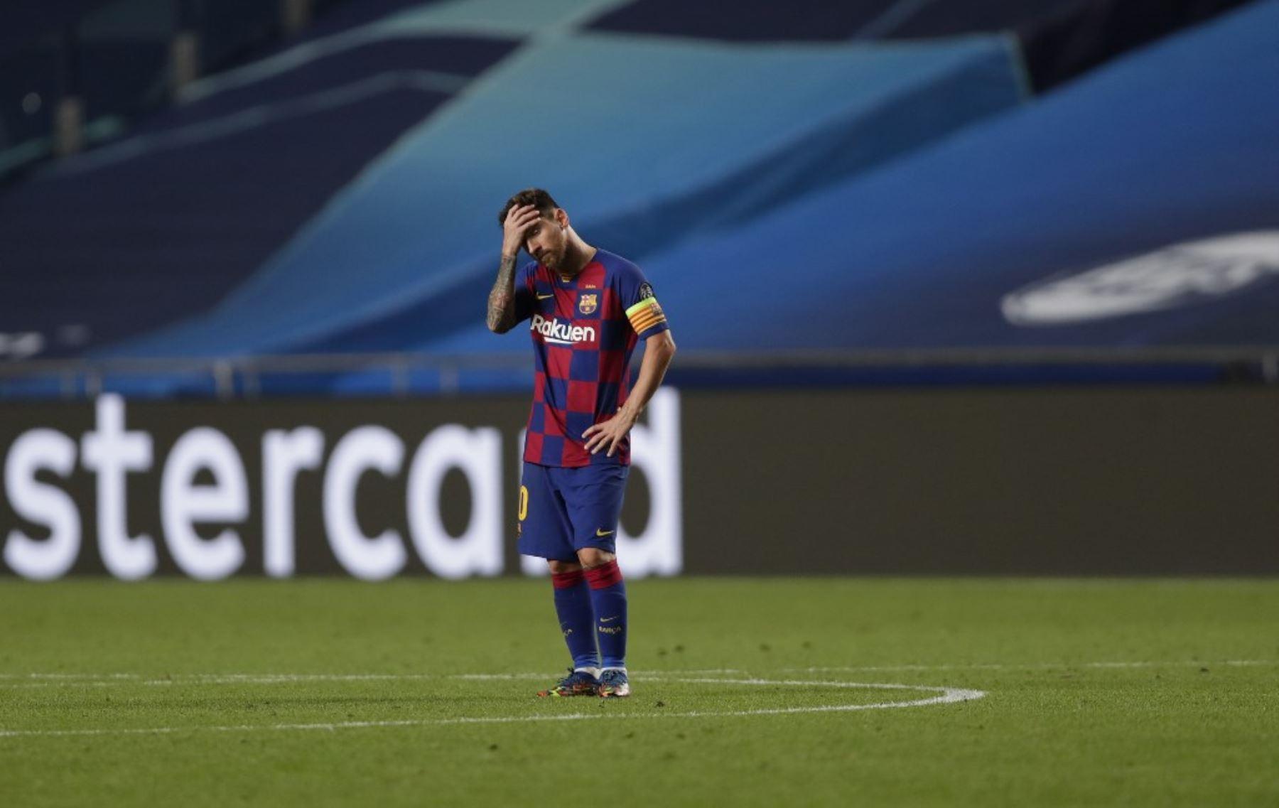 El delantero argentino del Barcelona Lionel Messi reacciona durante el partido de fútbol de cuartos de final de la Liga de Campeones de la UEFA entre el Barcelona y el Bayern de Múnich en el estadio Luz de Lisboa.Foto:AFP