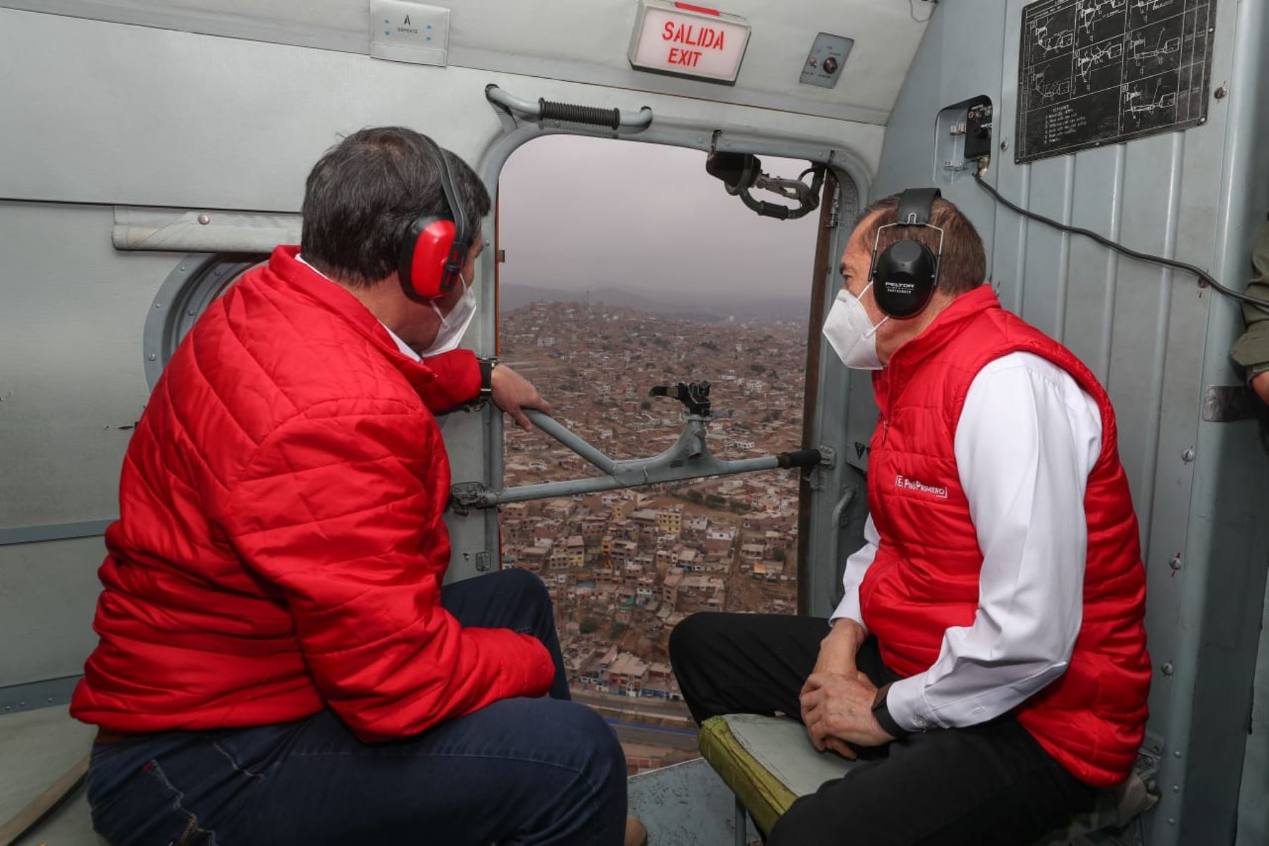 Prime Minister Walter Martos flies over Lima to monitor nationwide curfew on Sundays. Photo: ANDINA/PCM