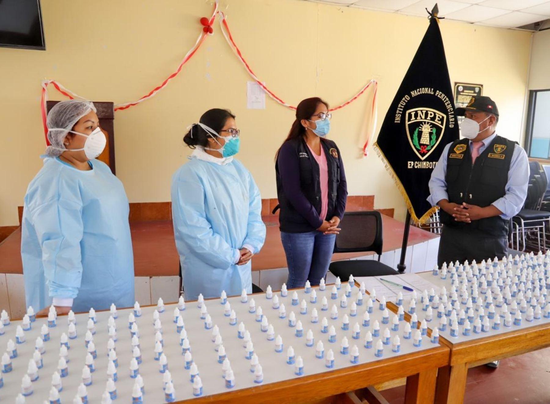 Municipalidad Provincial del Santa distribuye 500 dosis de ivermectina en penal Cambio Puente de Chimbote, en Áncash. ANDINA/Difusión