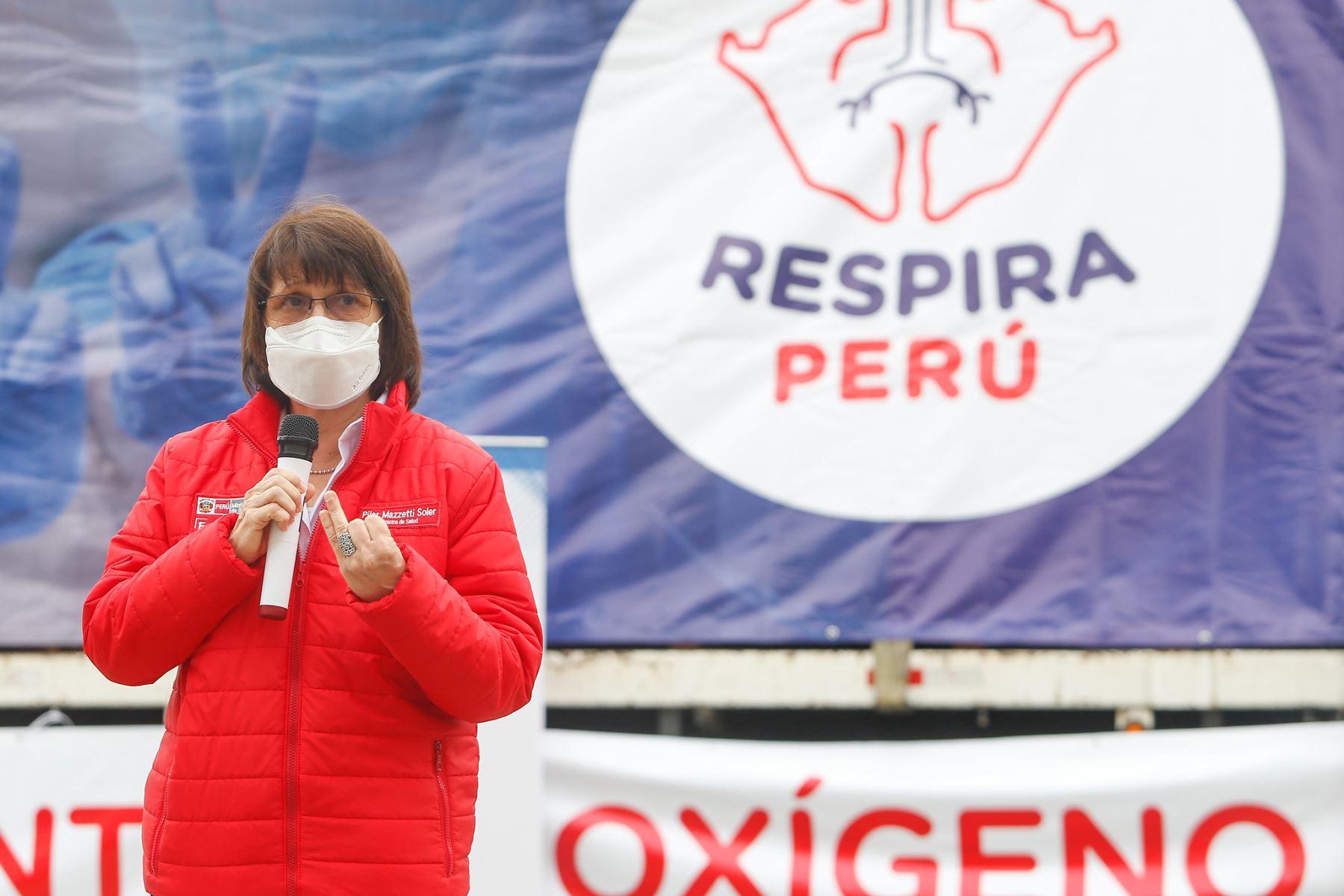 Ministra de Salud, Pilar Mazzetti, participa de la entrega de la primera planta de oxígeno por parte de la iniciativa Respira Perú, para la región Arequipa. Foto: ANDINA/Minsa.