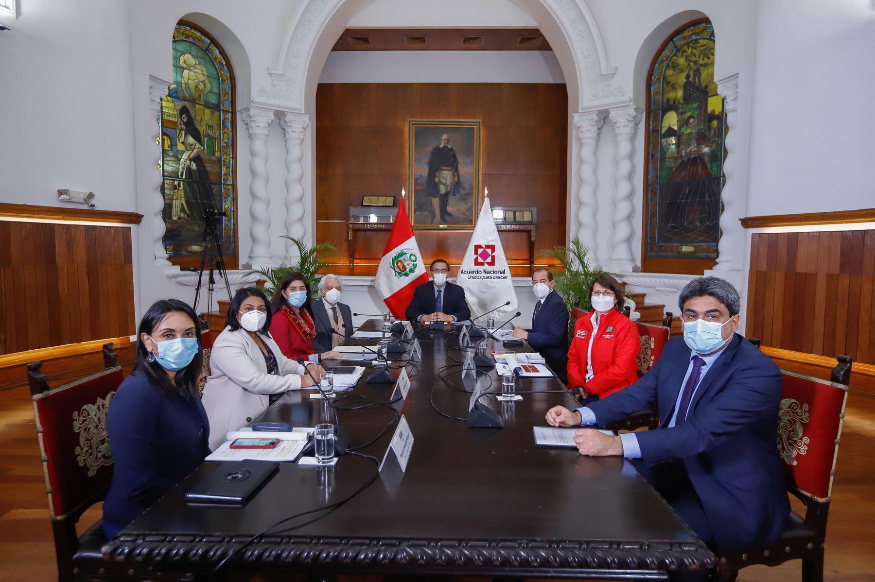 El presidente Martin Vizcarra participa en reunión donde se expondrán las propuestas del Pacto Perú. Foto: ANDINA/Prensa Presidencia