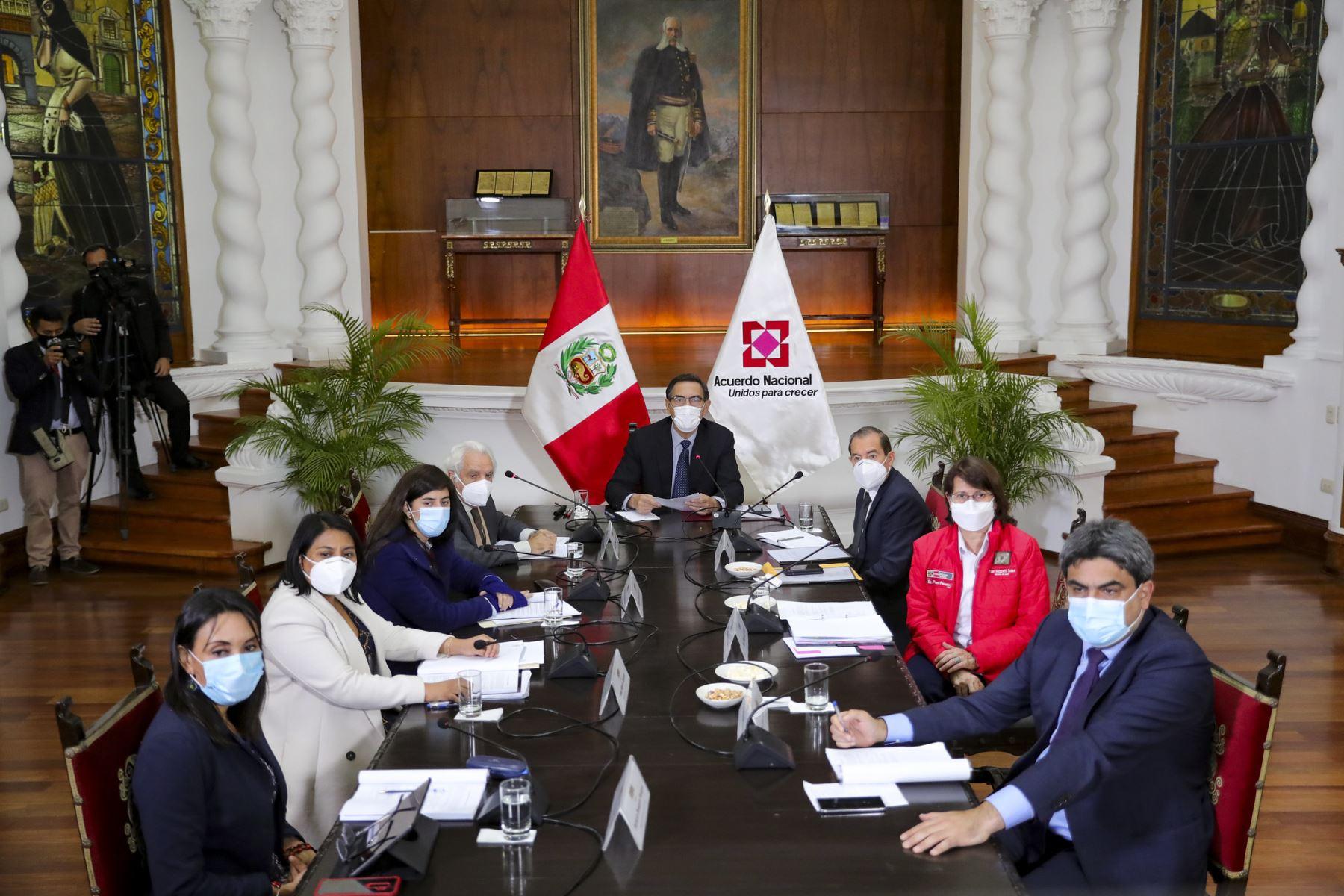 Presidente Vizcarra suscribe Compromiso de diálogo para el Pacto Perú. Foto: ANDINA/Prensa Presidencia