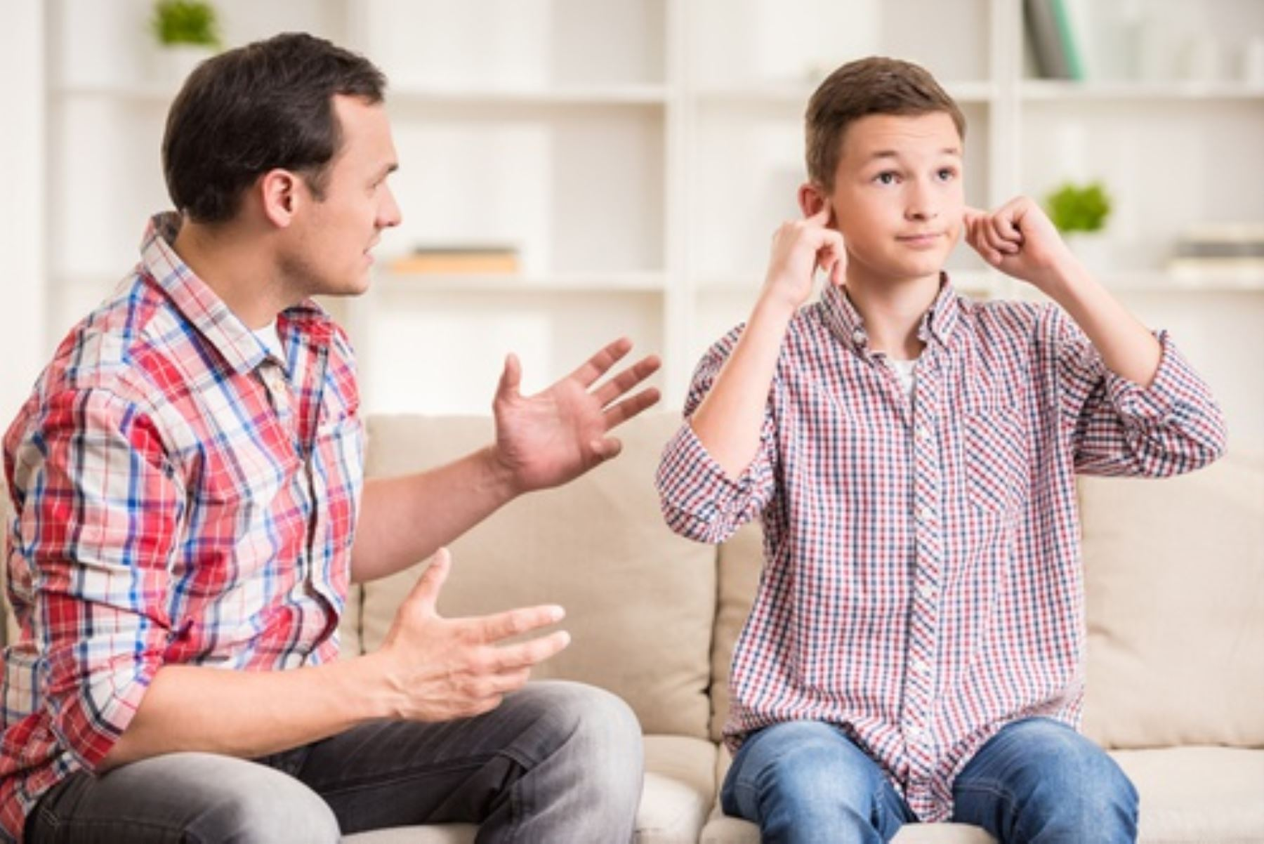 Si no respetan a sus propios padres, no es posible imaginar que respeten a la autoridad, señala experto en salud mental. Foto: Foto: Revista Latina