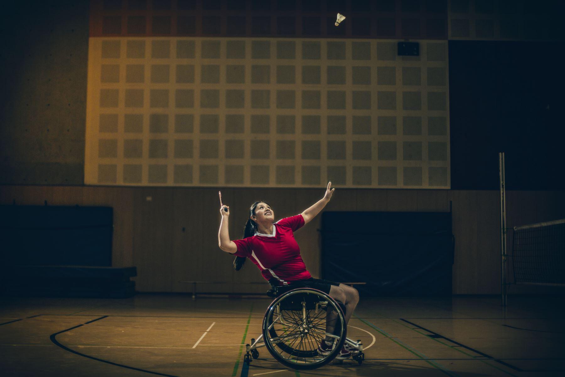 La parabádmintonista peruana, Pilar Jáuregui  anhela clasificar a los Juegos Paralímpicos y convertirse en un agente de cambio para aquellas personas que no se siente capaz de practicar el paradeporte por miedo o verguenza. Foto: cortesía: Leonardo Amador Yonz.