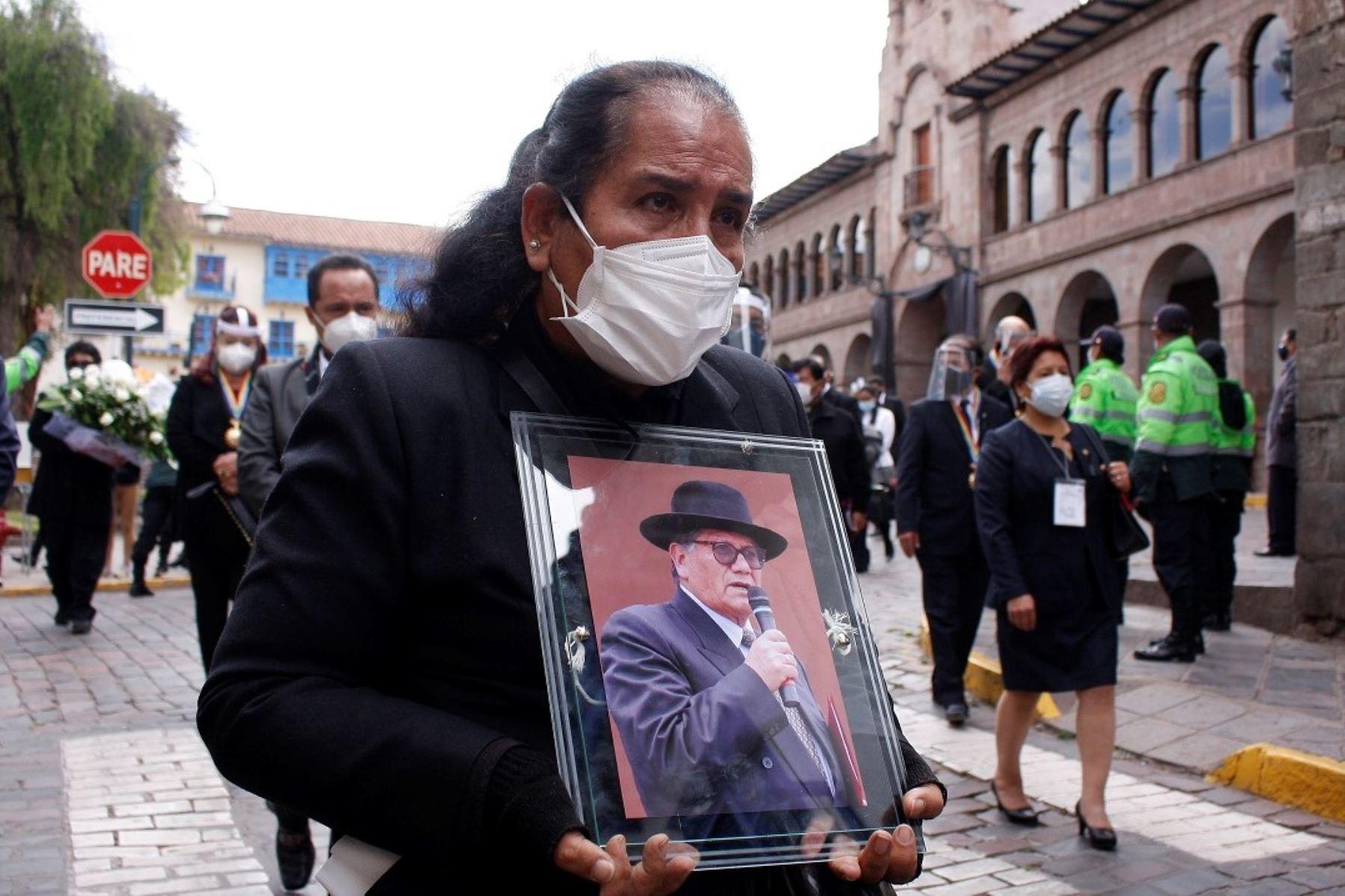 Cusco se despide de su alcalde Ricardo Valderrama, fallecido el domingo 30 de agosto a a causa del covid-19. ANDINA/Percy Hurtado Santillán