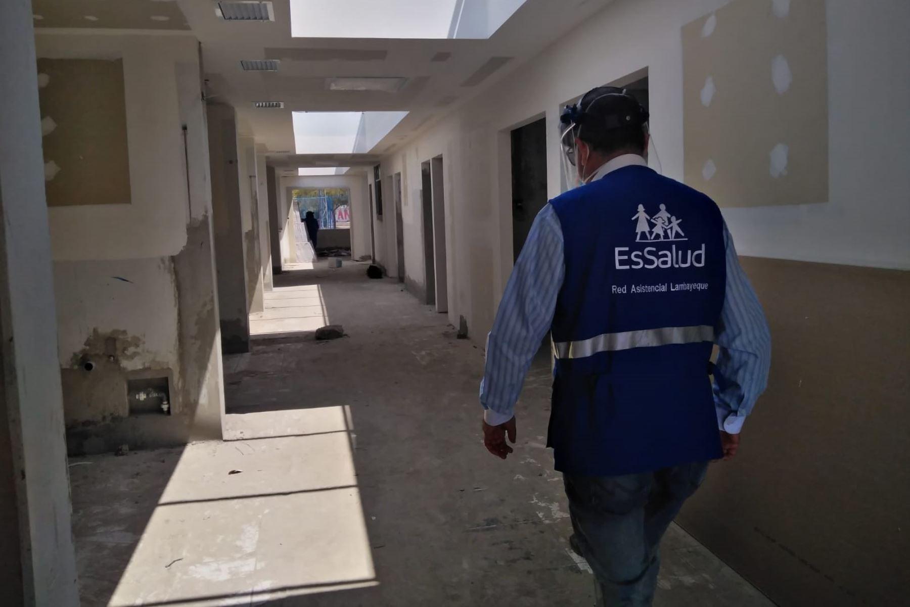 Instalaciones del antiguo hospital de Tumán en proceso de refacción a cargo de EsSalud. ANDINA/Difusión