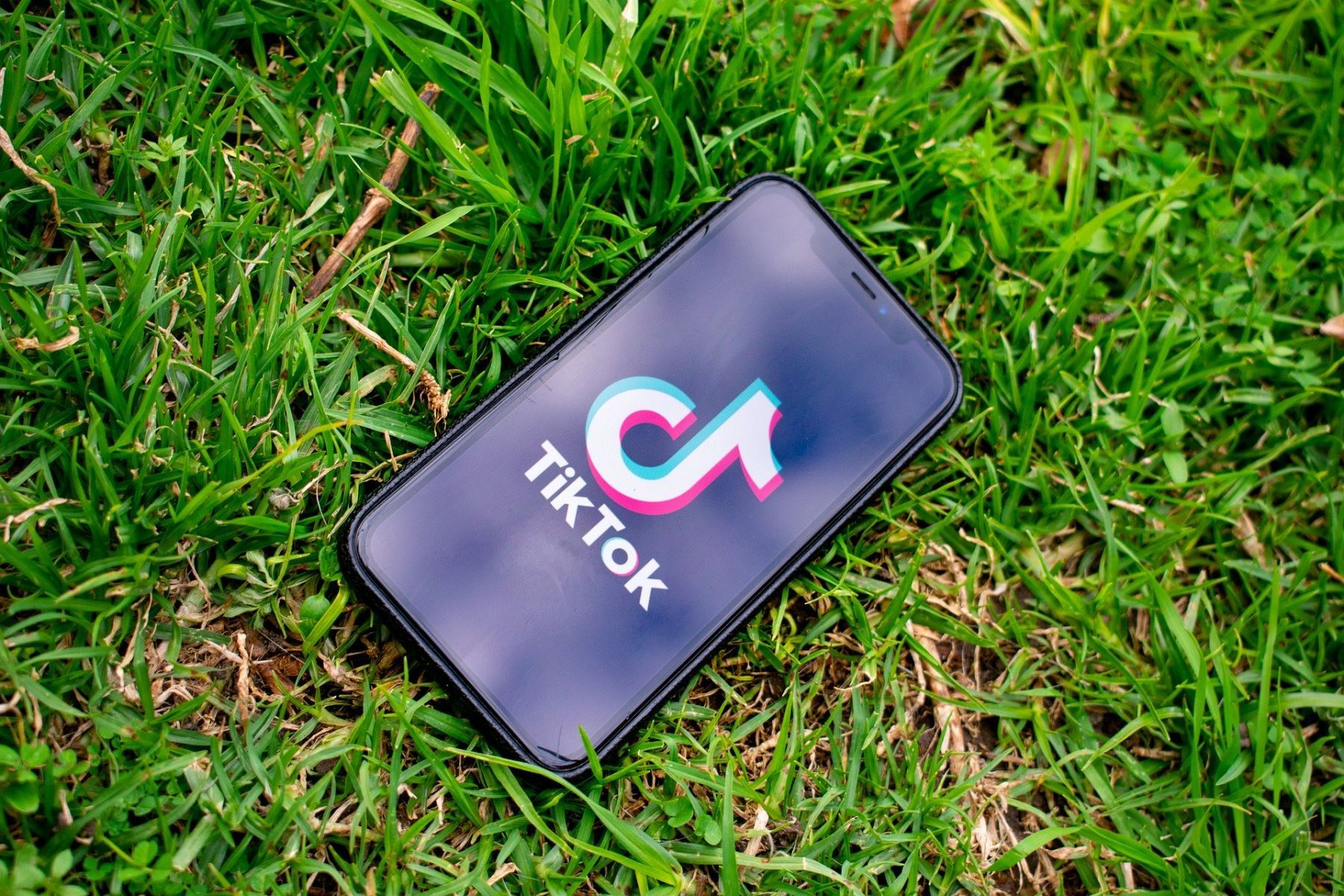 TikTok donates 60,000 protective suits to Peru during the fight against COVID-19.