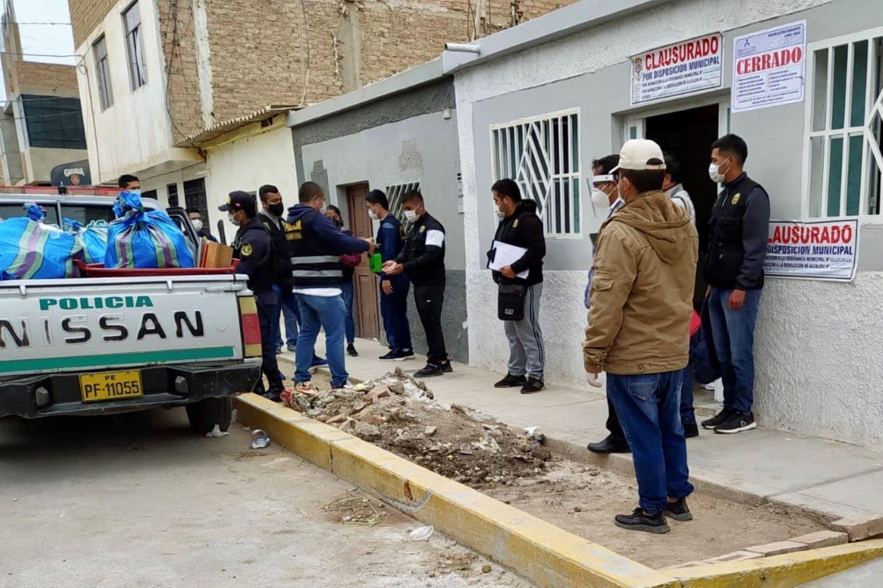 Intervención inopinada en un distrito de Chiclayo culminó con tres detenidos por ejercicio ilegal de la medicina y la incautación de media tonelada de medicamentos vencidos. Foto: ANDINA/Difusión