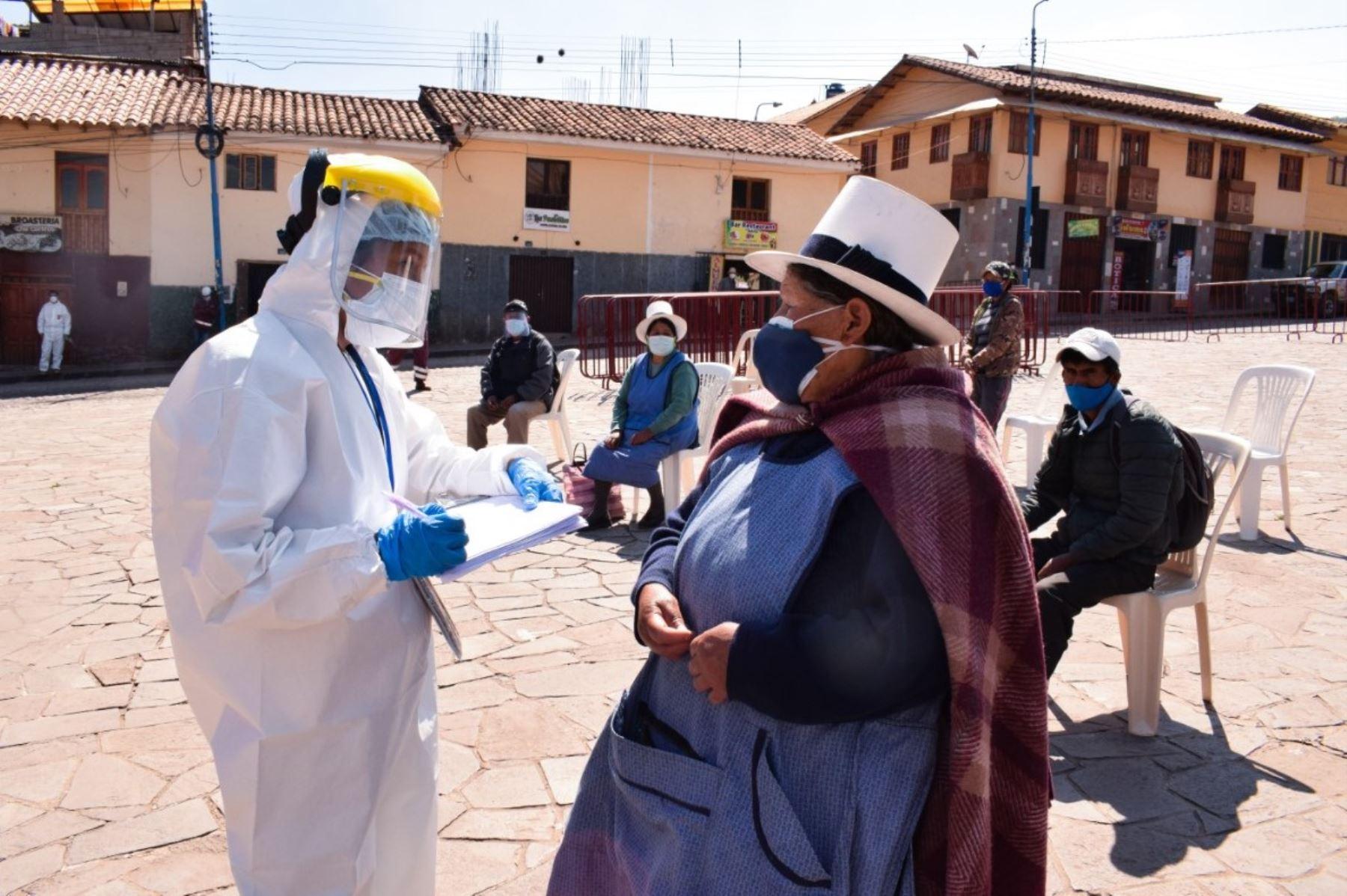 ACusco reforzará medidas para frenar el avance del coronavirus en la región y estará acorde con lo dispuesto por el Ejecutivo, afirmó el gobernador Jean Paul Benavente. ANDINA/Difusión