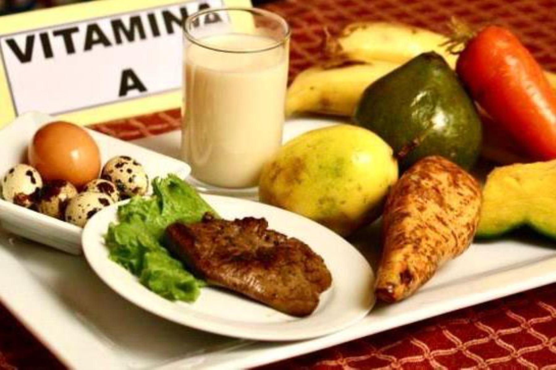 INS recomiendan a adultos mayores consumir vitamina A para prevenir males respiratorios. Foto: ANDINA/Difusión.