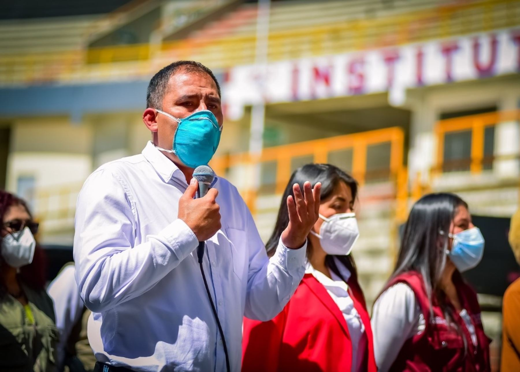 Gobernador de Áncash recibe el alta médica tras vencer al coronavirus   Noticias