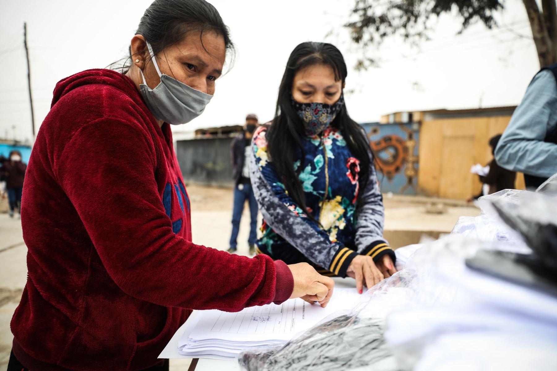 Municipalidad de Lima entrega 3,000 mascarillas a comunidad shipibo-konibo de Cantagallo | Noticias