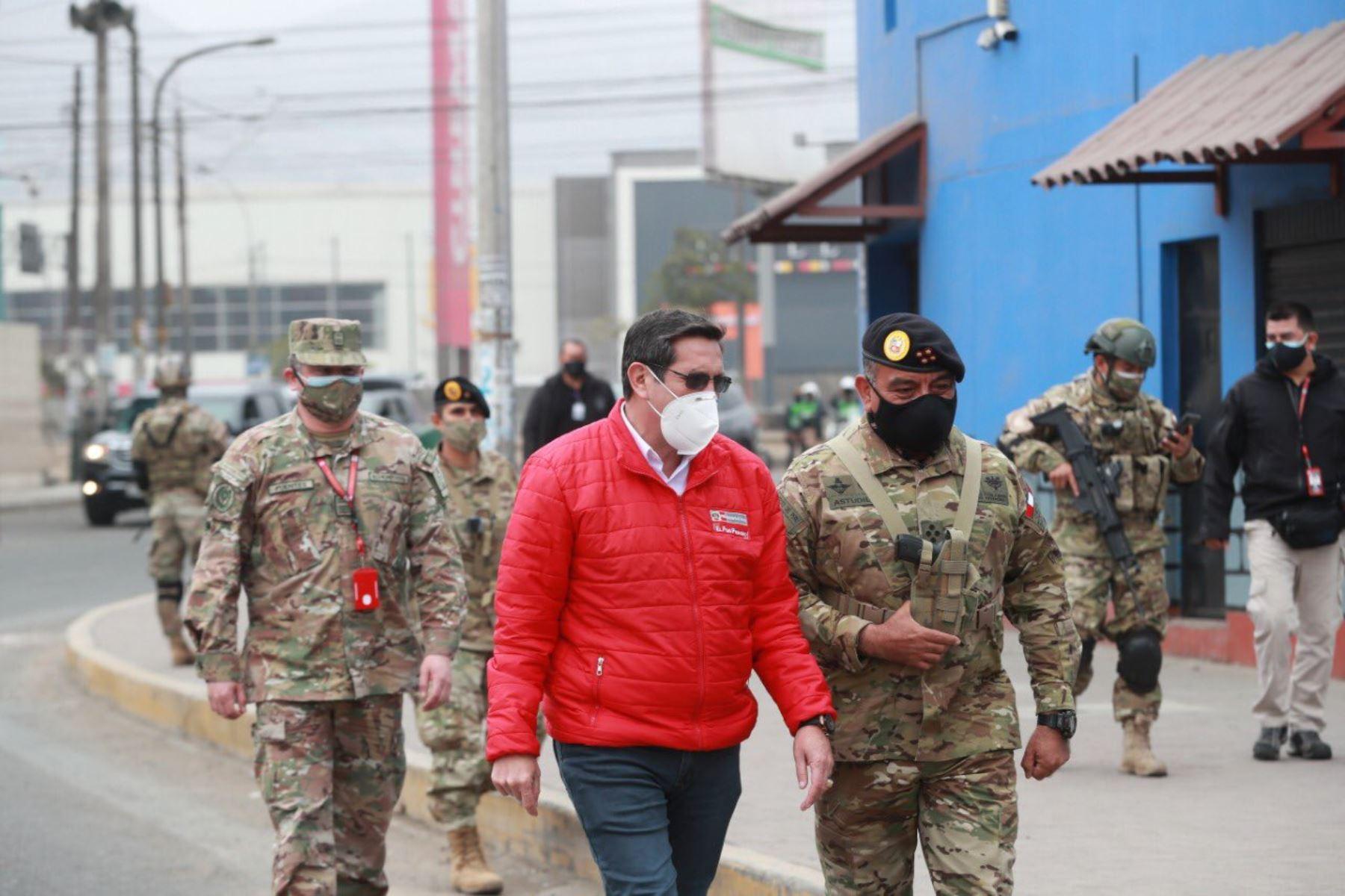 Ministro de Defensa y jefe del Comando Conjunto supervisan inmovilización social   Noticias