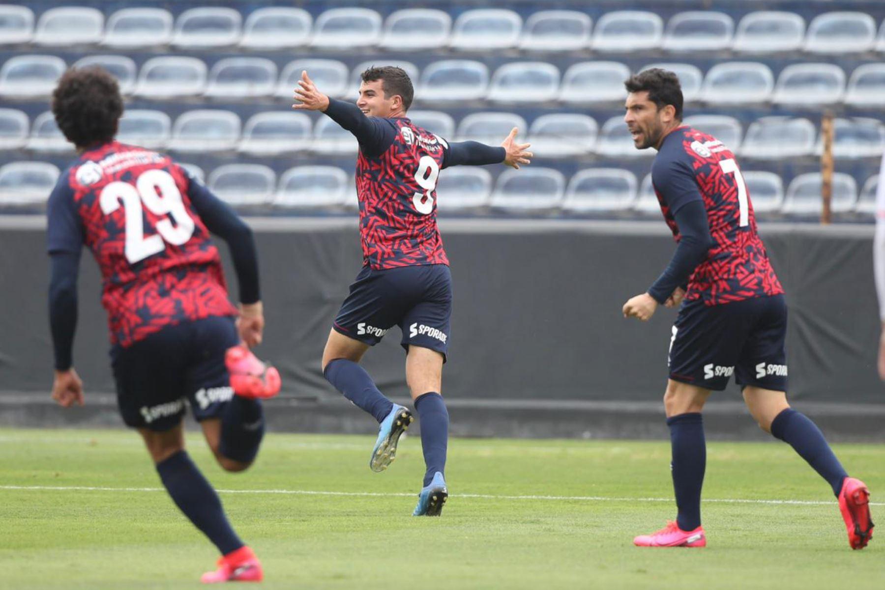 El futbolista Matías Succar del Deportivo Municipal celebra tras anotar gol a Ayacucho FC por la jornada 11 de la Liga 1, en el estadio Alejandro Villanueva. Foto: @LigaFutProf