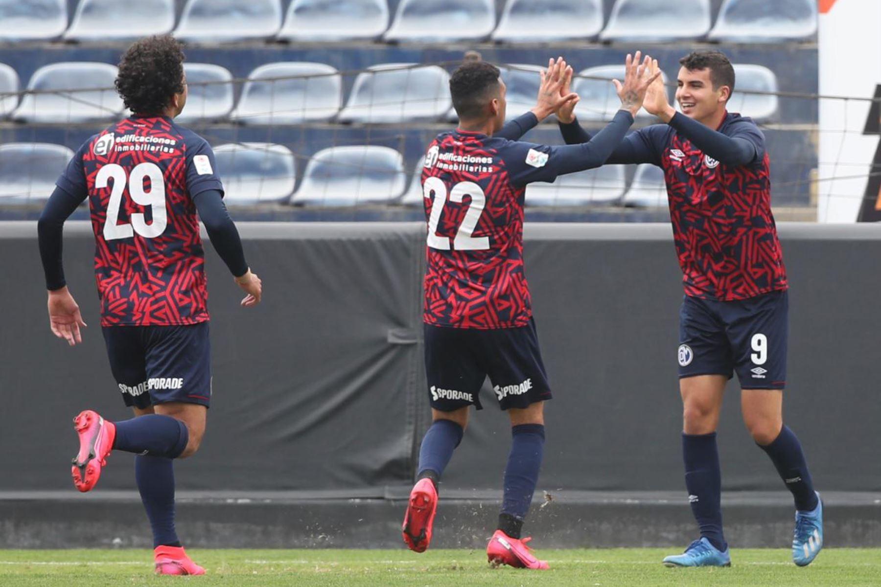 El futbolista Matías Succar del Deportivo Municipal celebra junto a sus compañeros tras anotar gol a Ayacucho FC por la jornada 11 de la Liga 1, en el estadio Alejandro Villanueva.  Foto: @LigaFutProf