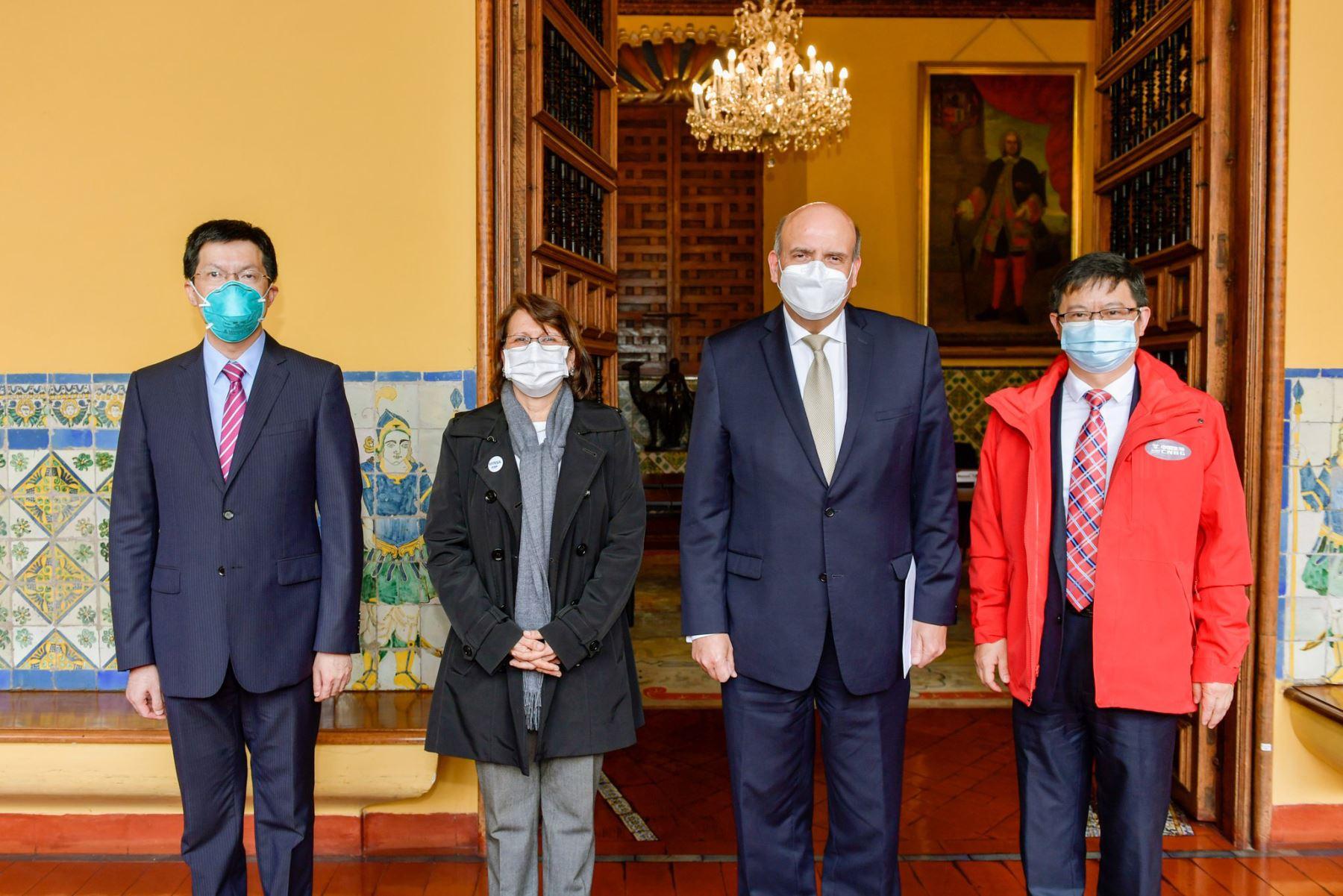 Canciller Mario López y ministra Mazzetti recibieron a delegación de laboratorio Sinopharm | Noticias