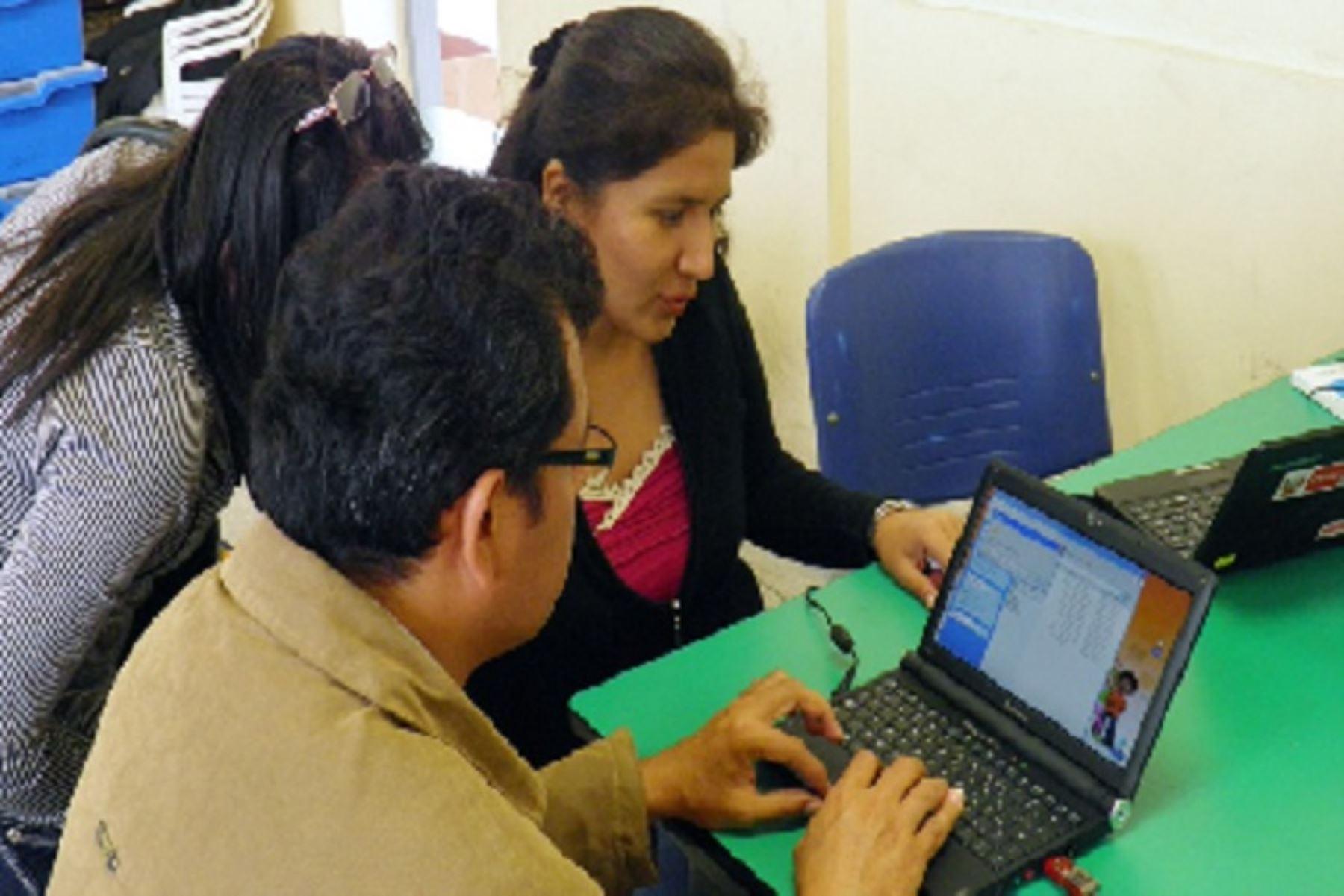 La inducción se desarrollará mediante cinco sesiones para los docentes de educación primaria de las regiones de Amazonas, Apurímac, Ayacucho, Cajamarca, Cusco, Huancavelica, Huánuco, Junín, Loreto, Madre De Dios, Pasco, Puno, San Martín y Ucayali.