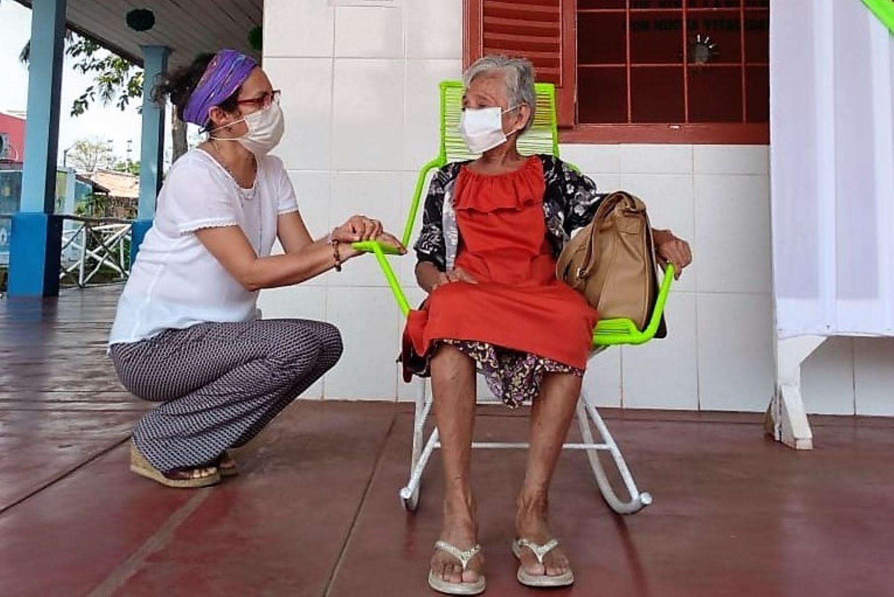 Doña Querubina, símbolo de la esperanza en Iquitos tras vencer al coronavirus a los 79 años.