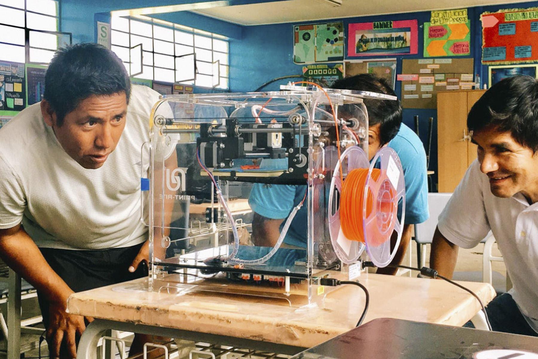 Aprenderás Diseño y Fabricación de Prototipos en 3D, Manejo y Mantenimiento de Impresora 3D y Cómo construir una impresora 3D