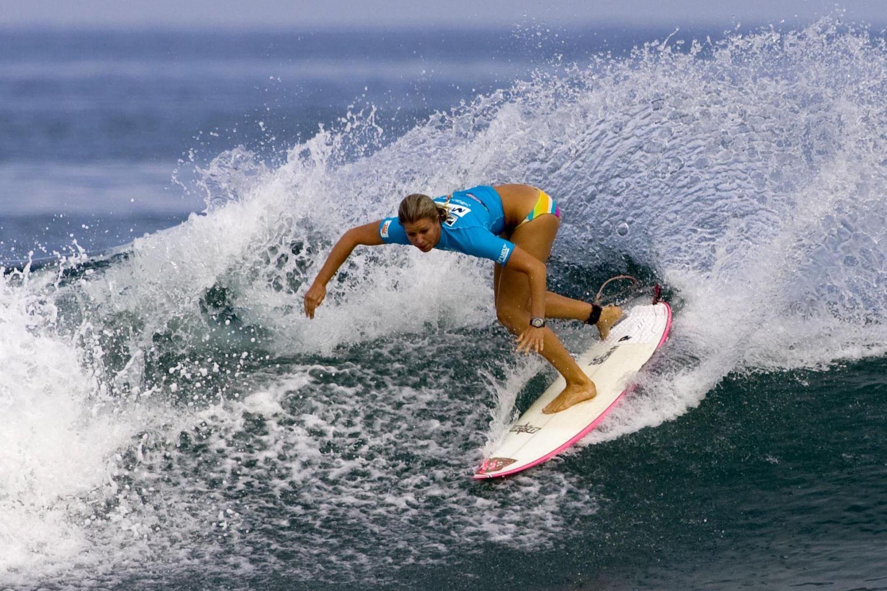 El balneario de Máncora, en la región Piura, es el más conocido de Perú y las olas de sus playas son perfectas para practicar surf.