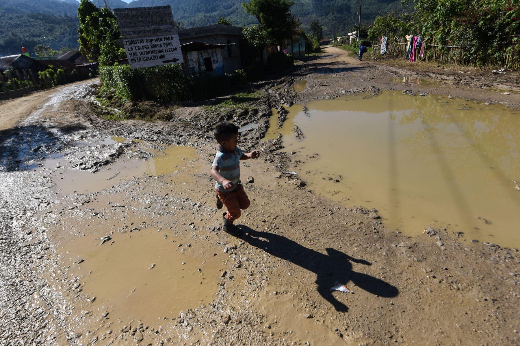 Estos hechos dejaron 8,951 personas afectadas, once evacuadas, dos viviendas en riesgo y 107 casas con daños entre leves y moderados. Foto: AFP