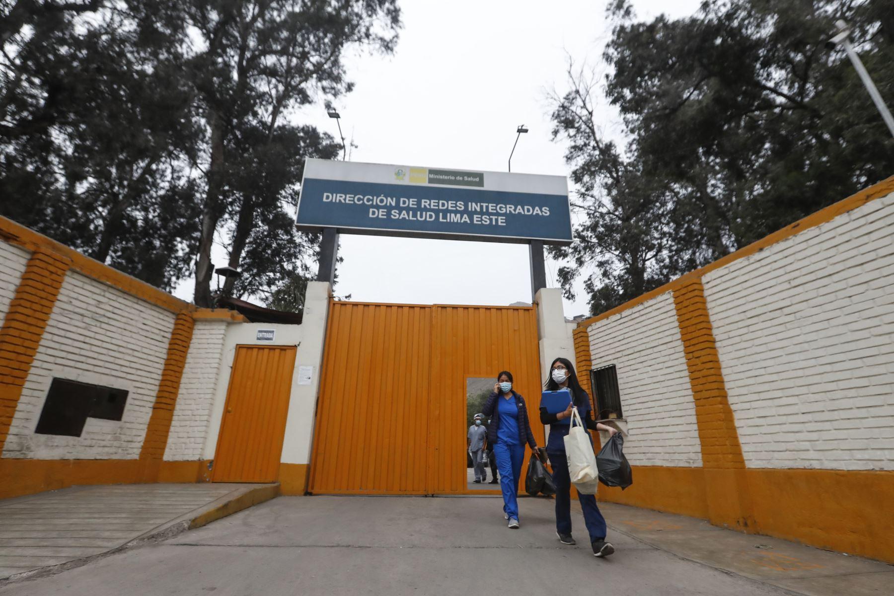 Las brigadas de salud parten desde la sede de la DIRIS Lima Este, ubicada en la cuadra 13 de la avenida Cesar Vallejo, en El Agustino. Foto: ANDINA/Renato Pajuelo