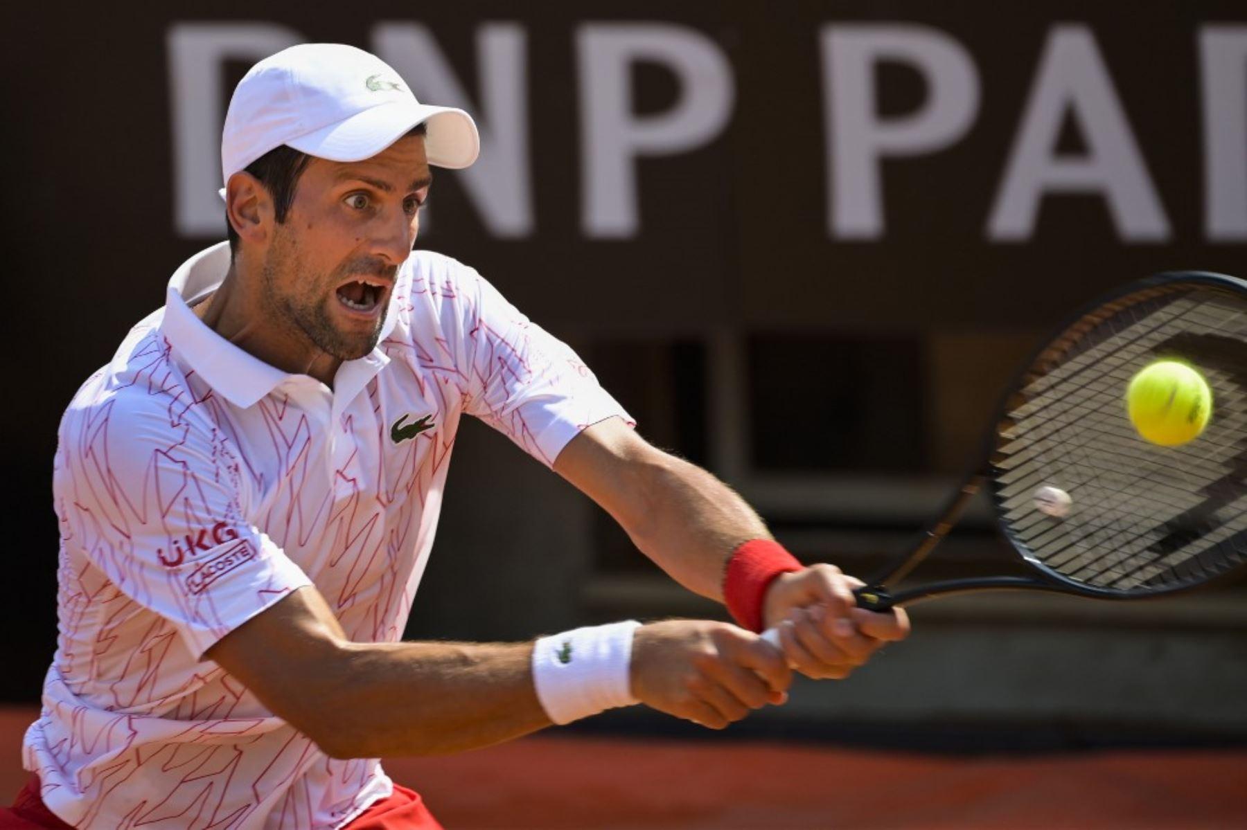 Djokovic y Halep avanzan a octavos en el Masters 1000 de Roma